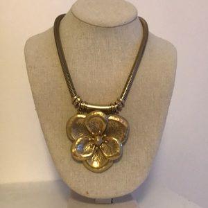 Stella & Dot Bloom Necklace